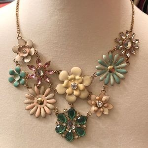 Jewelry - Colorful Flower Necklace